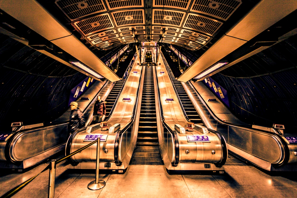 Down-Into-London-Bridge-Station-Mabry-Campbell