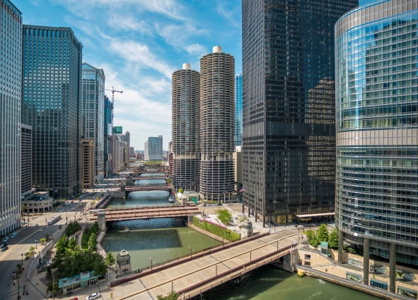 Marina-City-Chicago-River-II-Mabry-Campbell