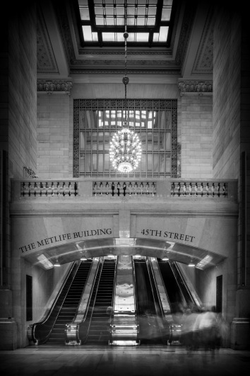 The Ghosts Of Grand Central Terminal - Mabry Campbell
