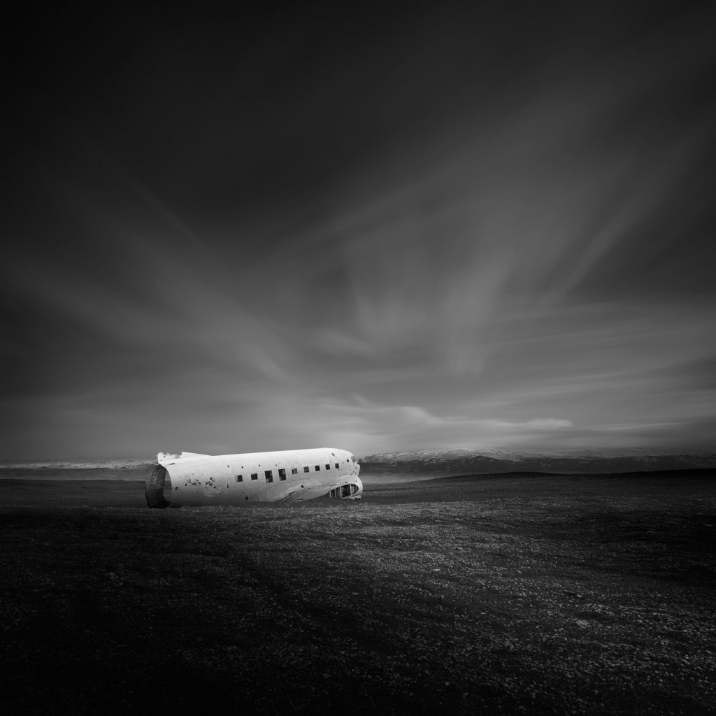 Frozen-~-Iceland's-DC-3-(C-117)-Mabry-Campbell