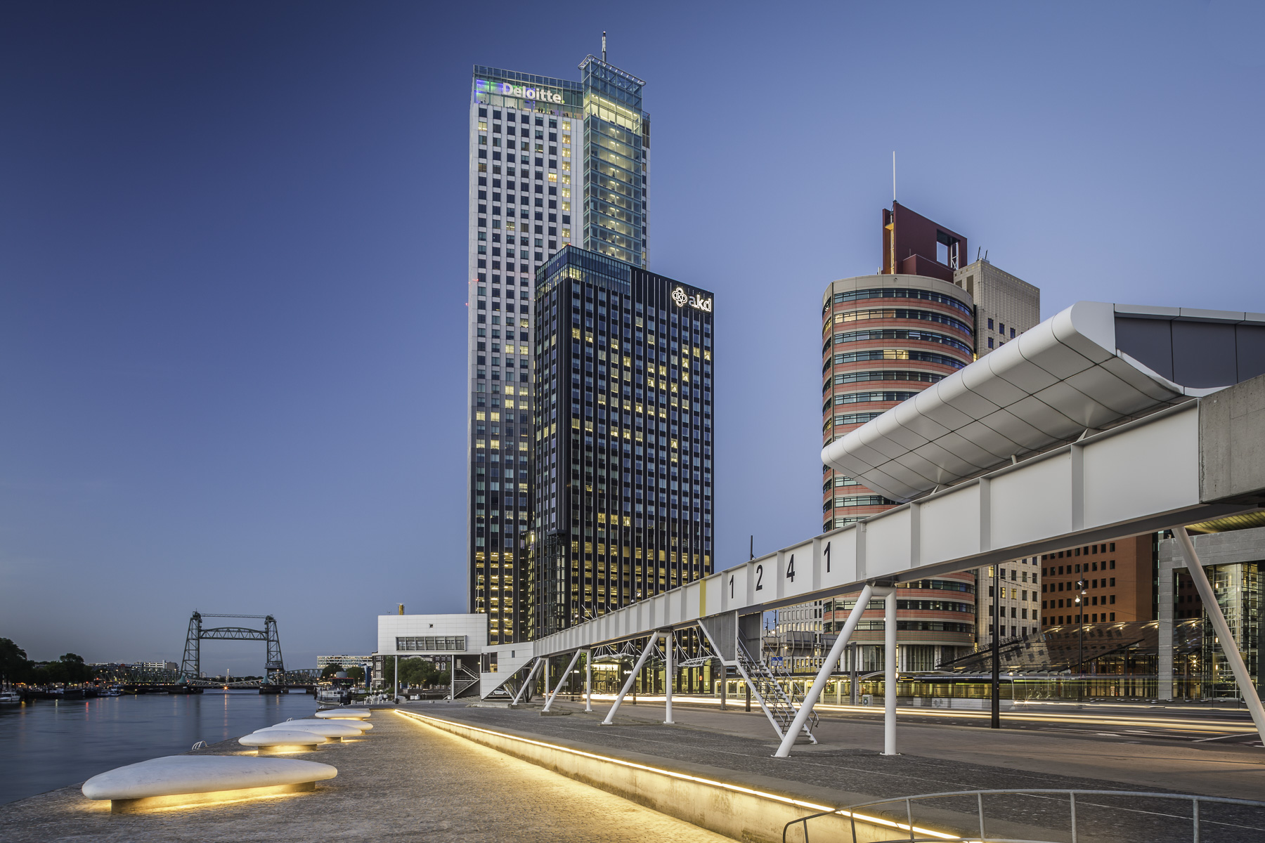 Maastoren Building Rotterdam And 1241 Art Bridge