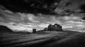 Abandoned-Icelandic-Farmhouse-Mabry-Campbell