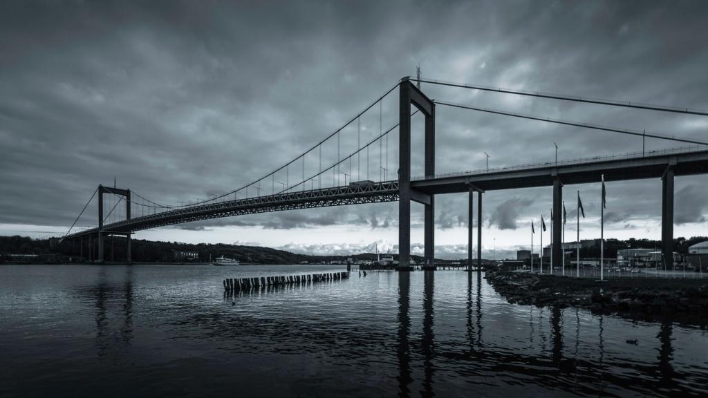 Kinda-Blue-~-Älvsborgsbron-Mabry-Campbell