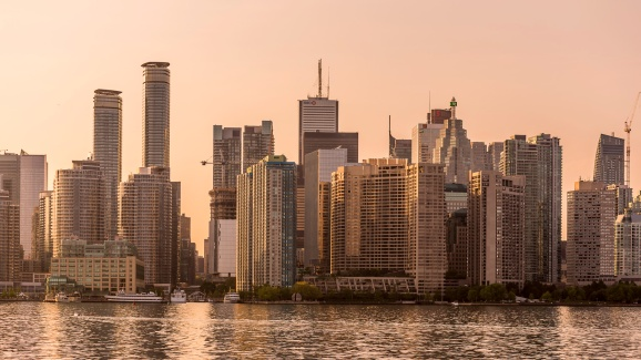 Toronto-Skyline-from-Ferry-Mabry-Campbell
