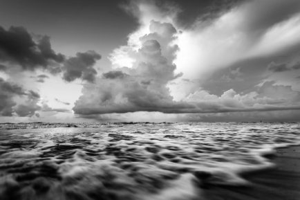 Morning Waves In Surfside Beach - Mabry Campbell
